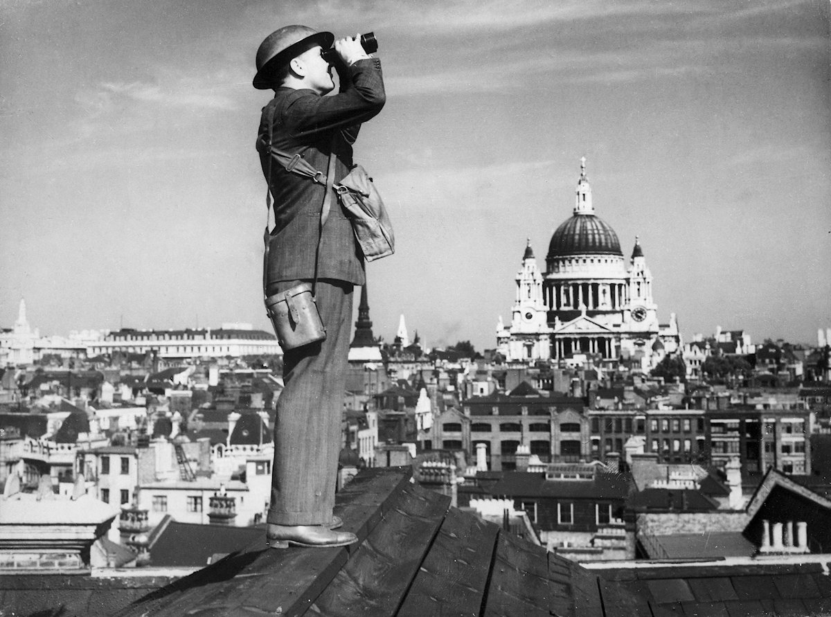 An Observer Corps spotter scans the skies of London. - wikipedia